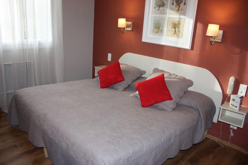 Chambre supérieure rénovée hotel St remy de provence 13210