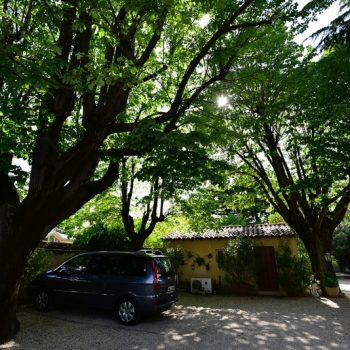 Parking saint remy de provence hotel