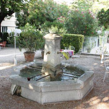 vue terrasse restaurant Saint Rémy de Provence