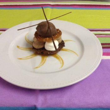 macaron renversé restaurant avec jardin proche centre ville et Alpilles 13210
